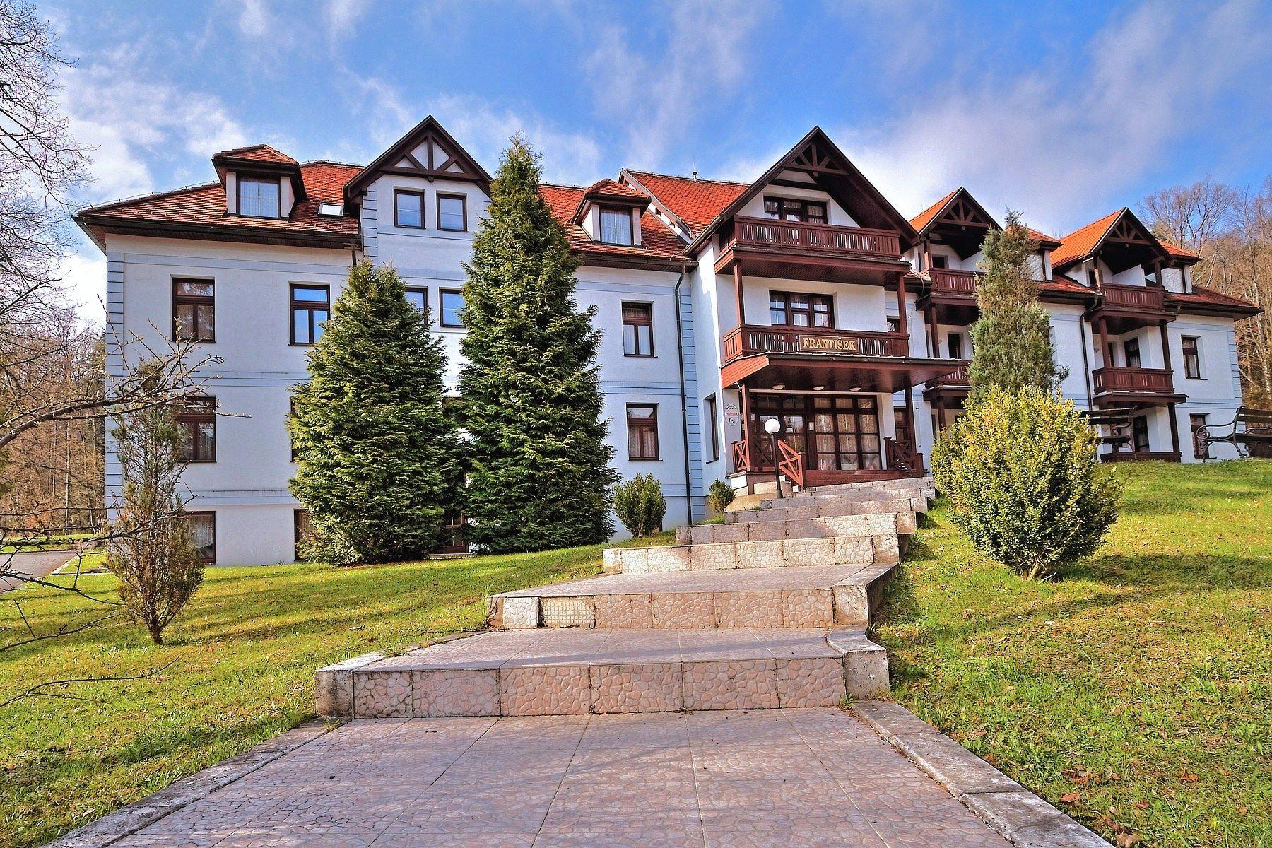 Penzión František a hotel Mier